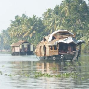 PlacesToStay-500x500-Kerala